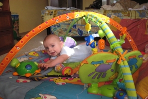 Игрушки для ребенка от месяца до четырех