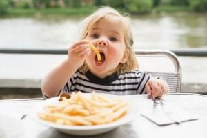Ожирение у детей - это страшно, но выход есть