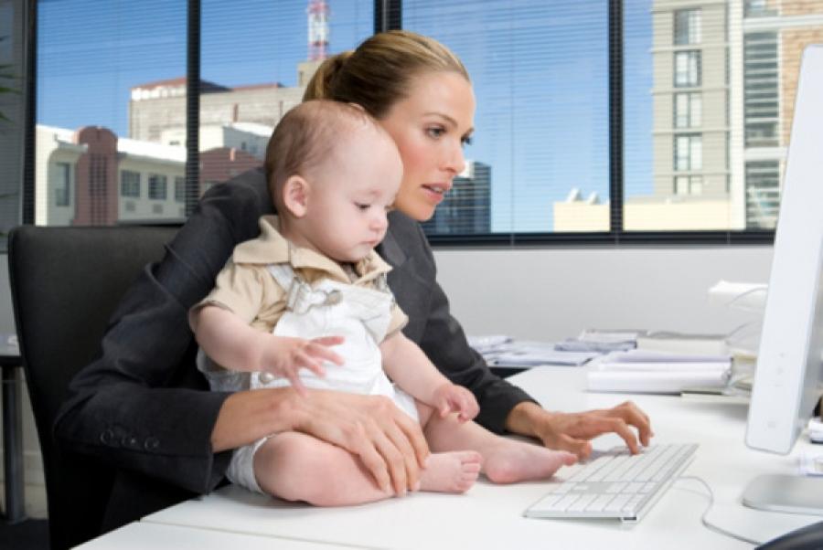 Совмещать работу и уход за ребенком