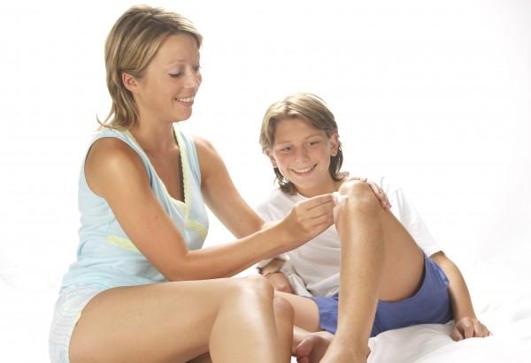Бородавки и их удаление в детском возрасте: порядок действий для родителей