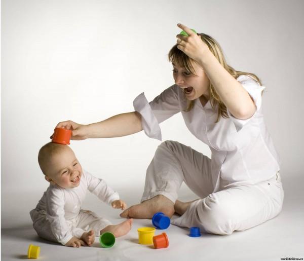 Телесный контакт и тактильные ощущения как первый способ познания мира младенцем