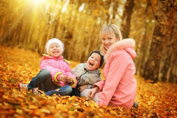 Прогулки с детьми: общее веселье и отдых для родителей