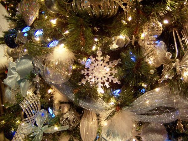 Новогодняя елка для пап с детьми или как маме освободить себе пару часов времени