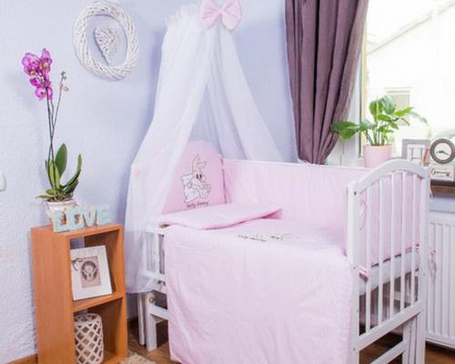 Что входит в комплект в кроватку для новорожденного