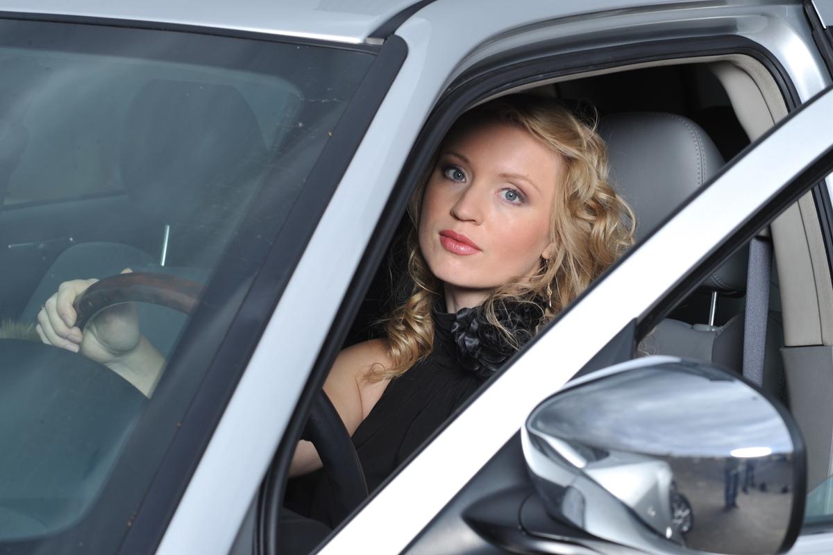 Как выбрать автомобиль для женщины