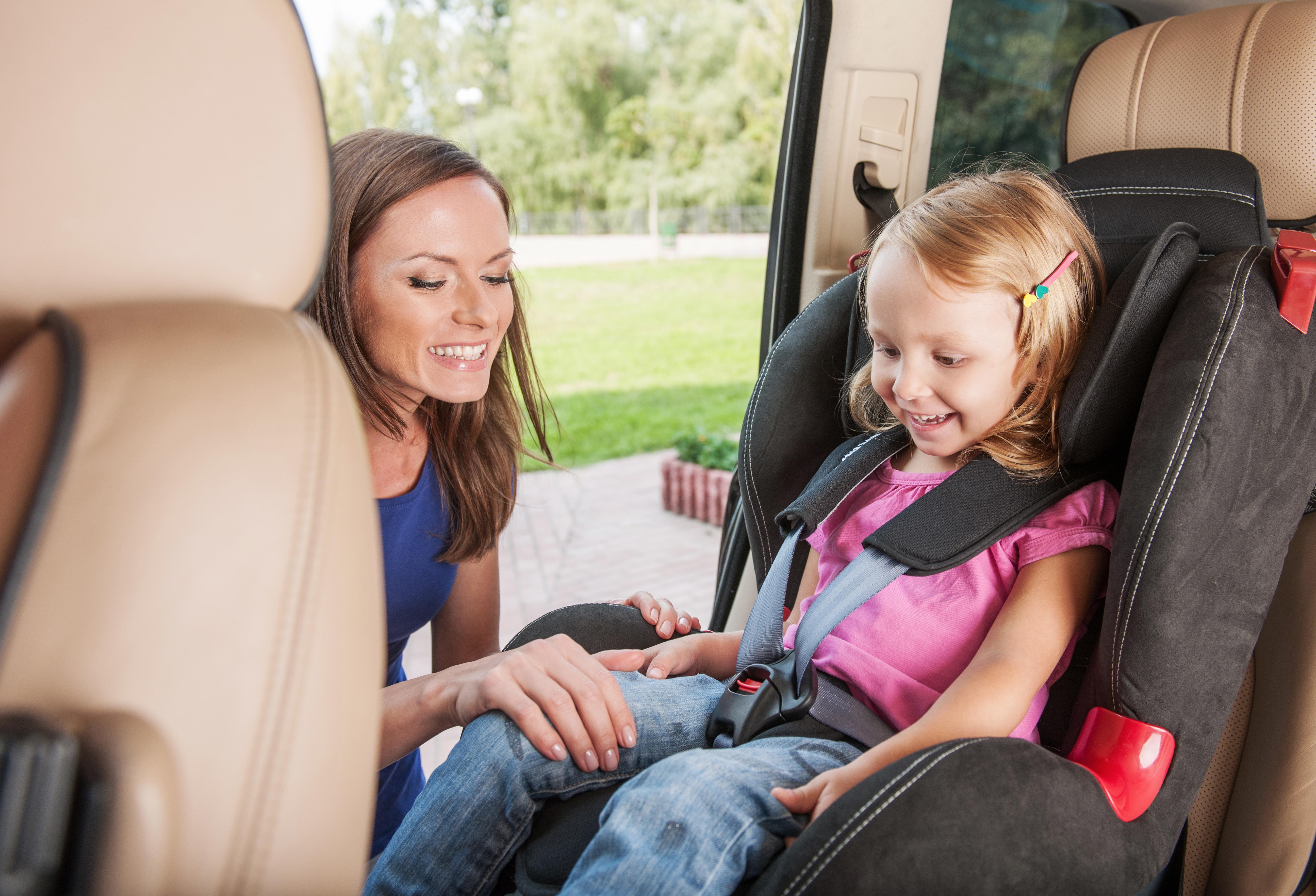 Выбор автомобиля для мамы с ребенком