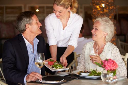 как подают блюда в ресторане