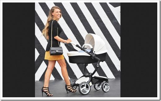Первые прогулки с ребенком.