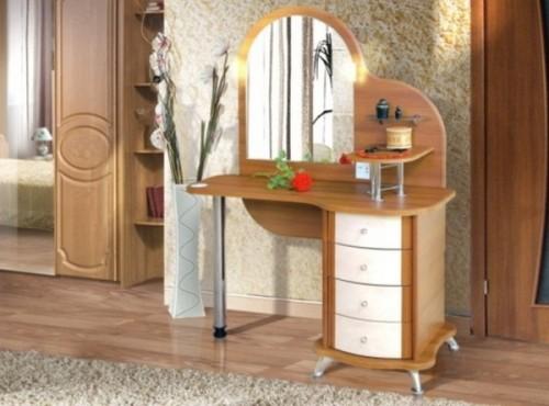 tualetnyiy-stolik