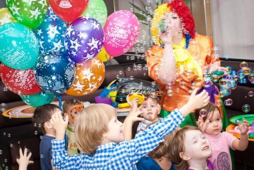 Как организовать детский праздник дома